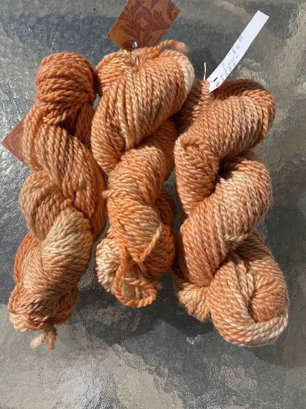 BULKY WEIGHT YARN-LT VARIEGATED CANTELOPE