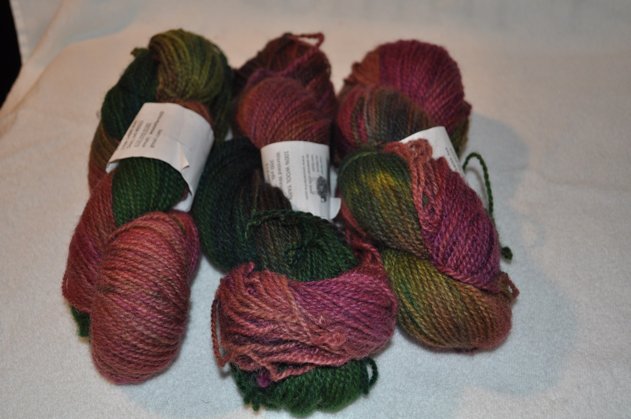 WORSTED WEIGHT YARN-MULTI BURGUNDY GREEN