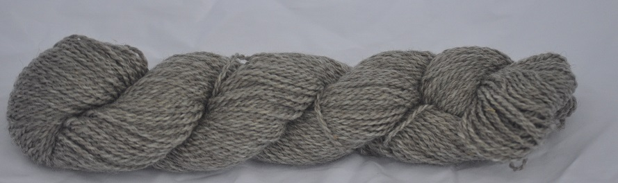 WORSTED WEIGHT YARN-MED/LT GRAY